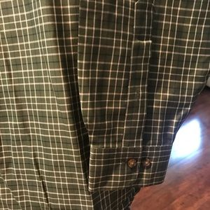 Brooks Brothers Shirts - BROOKS BROTHERS CASUAL DRESS SHIRT